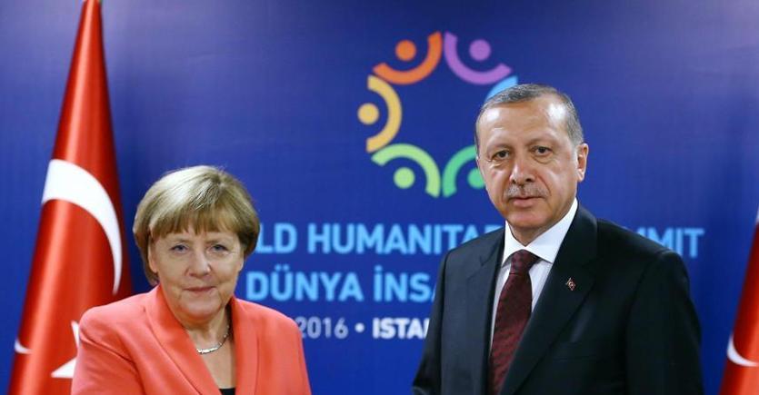Migranti: Erdogan, mai arrivati aiuti Ue a Turchia
